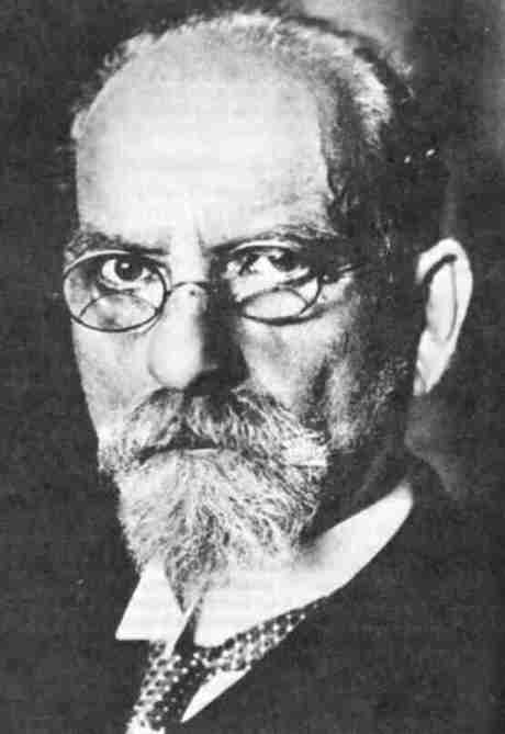 Edmund Husserl first formulated phenomenology in order to circumvent the existence questions of the natural standpoint.