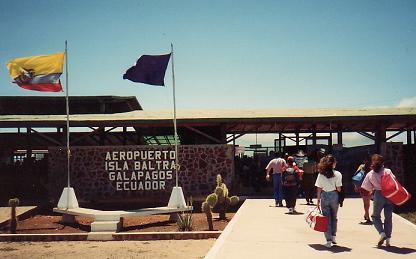 galapagos_airport