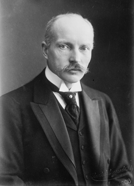 Heinrich Leonhard von Tschirschky und Bögendorff (15 July 1858 – 15 November 1916) was a German diplomat and politician, who served as Foreign Secretary and head of the Foreign Office from 24 January 1906 to 25 October 1907. (Wikipedia)