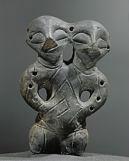 Vinca-Plocnik Culture, Late Mesolithic (5th mill. BC). (Photo Credits: Carlos Mesa) Double-Headed figure, Cayonu, Turkey.