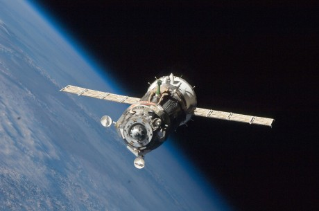 Soyuz_TMA-19_spacecraft_departs_the_ISS