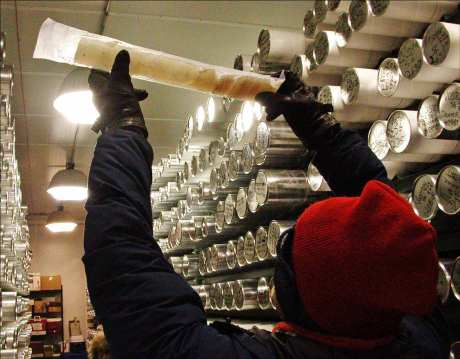The study of ice cores is an important source of data for scientific historiography.
